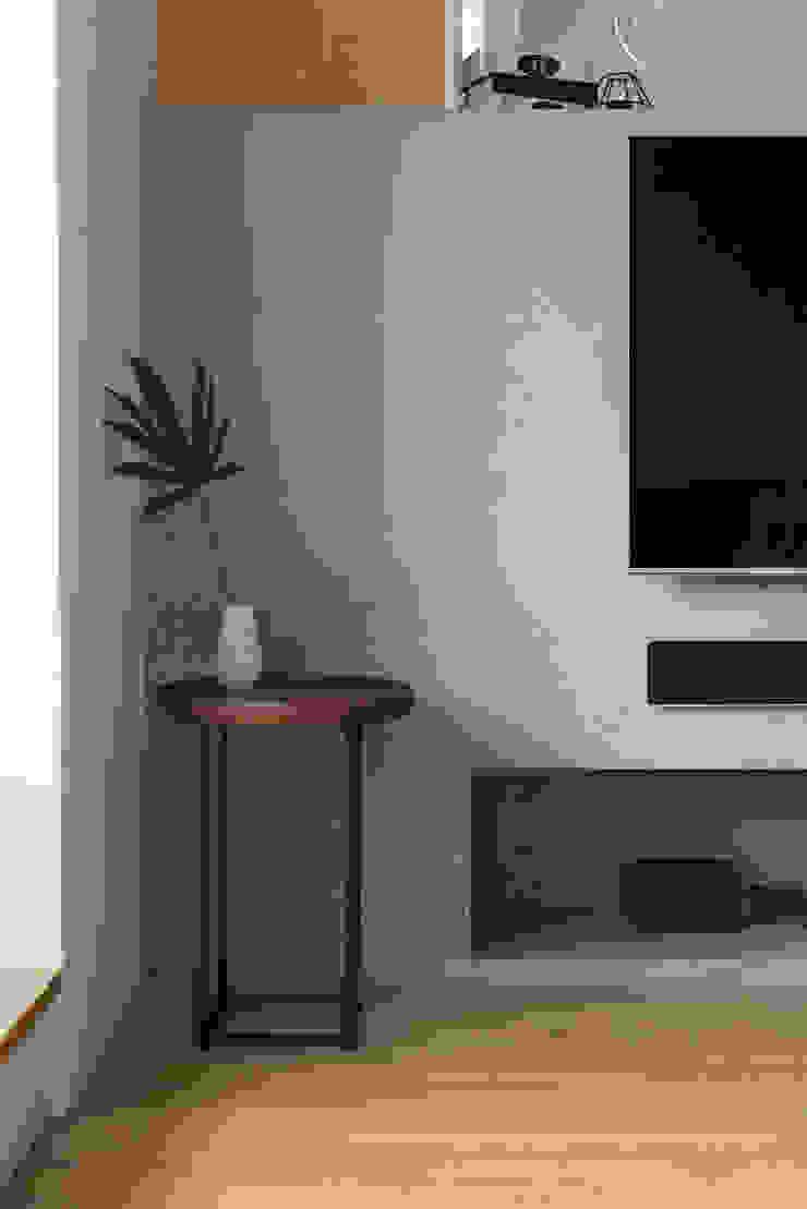 客廳一隅 根據 御見設計企業有限公司 簡約風 水泥