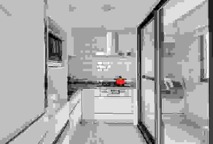 御見設計企業有限公司 Kitchen units Tiles White