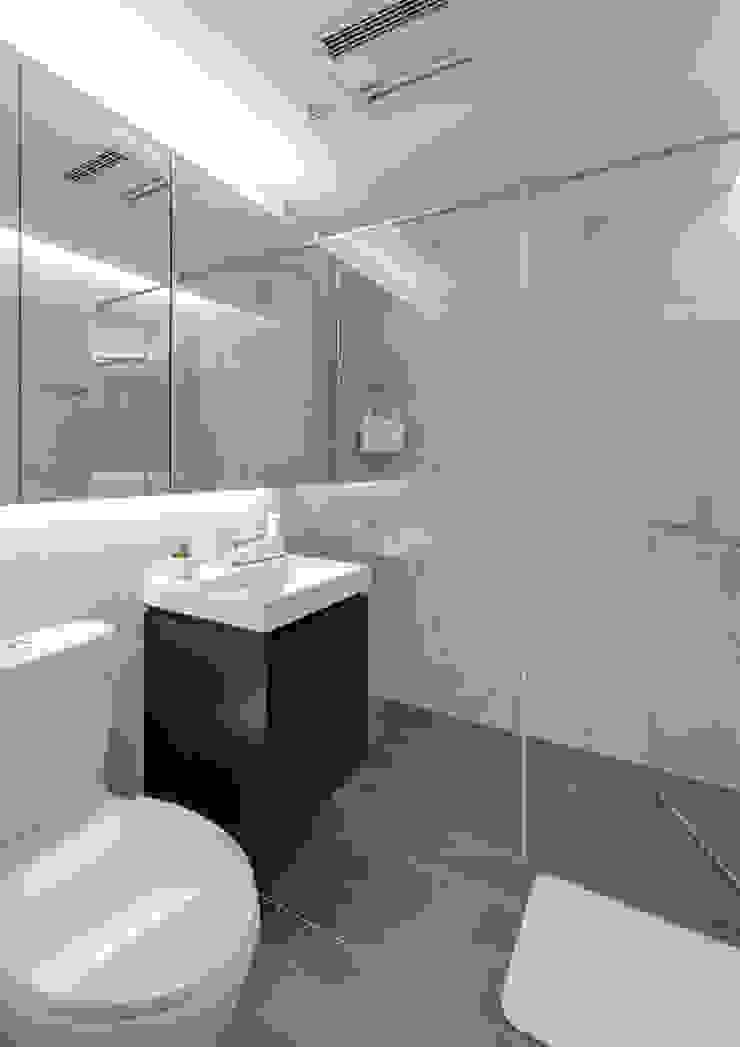客浴空間 根據 御見設計企業有限公司 簡約風 磁磚