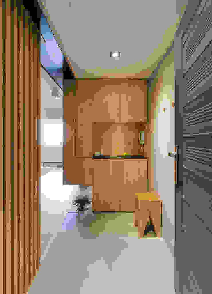 玄關 根據 御見設計企業有限公司 簡約風 木頭 Wood effect