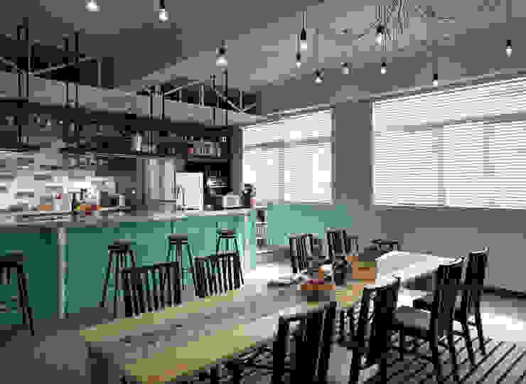 用餐區的規劃 根據 一水一木設計工作室 隨意取材風