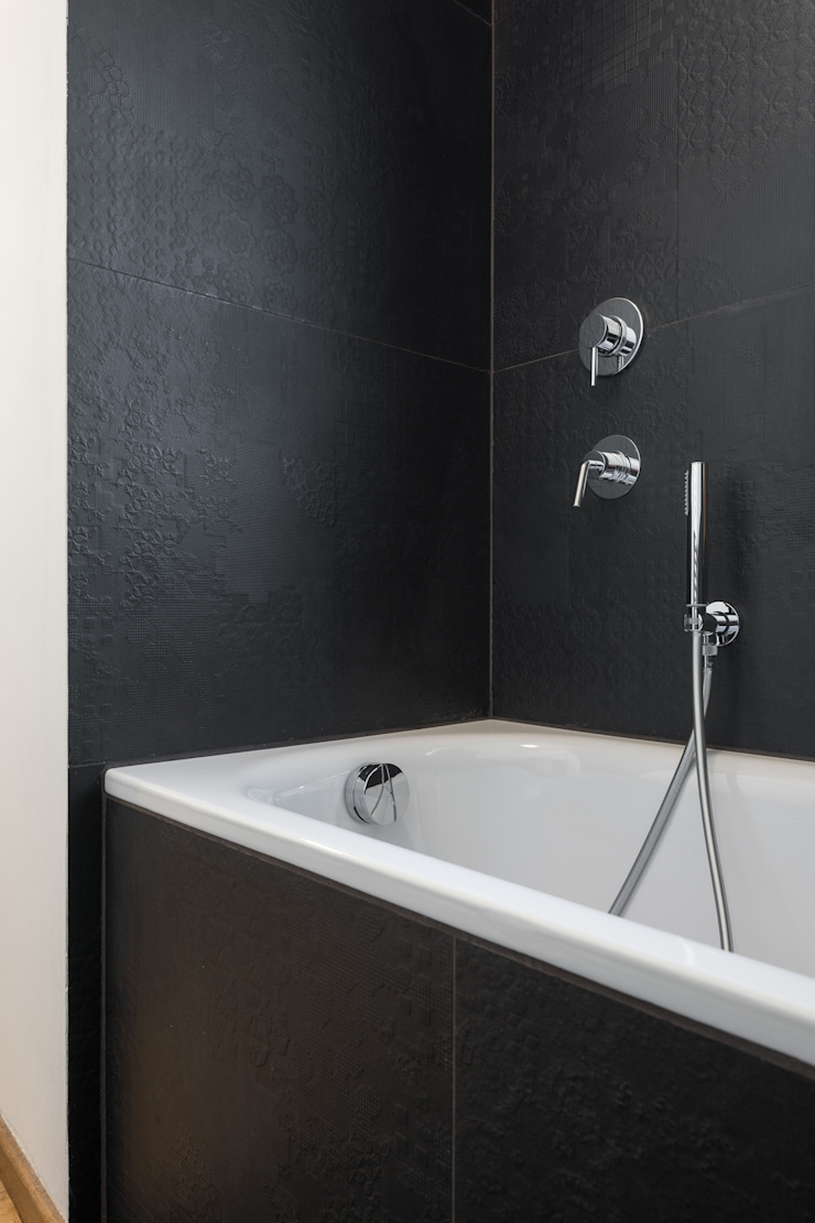 Modern Bathroom by Officine Liquide Modern