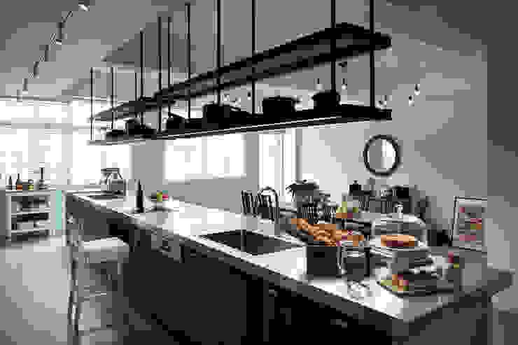 料理台的陳列 根據 一水一木設計工作室 隨意取材風 鐵/鋼