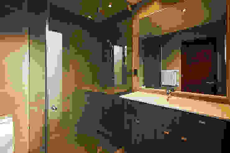 Casa Montemar 3 Baños de estilo moderno de Bauer Arquitectos Moderno