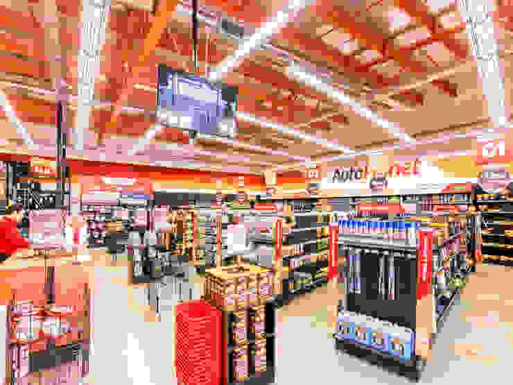 Local Autoplanet San Felipe Bauer Arquitectos Espacios comerciales