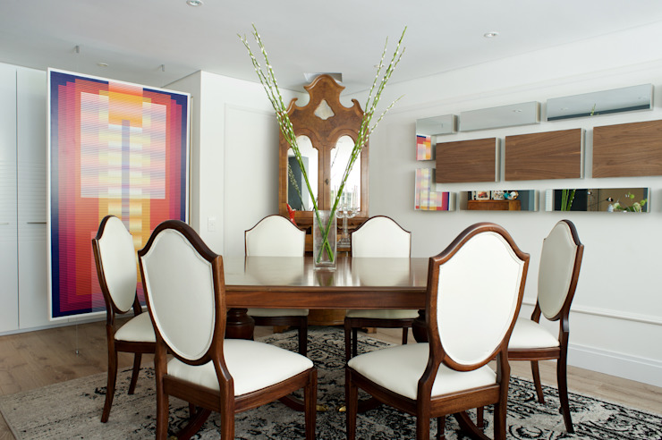 Eclectic style dining room by Pic & Deco Eclectic