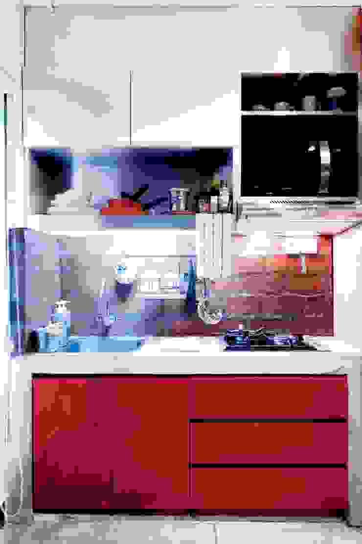 Industrial London inspired apartment Dapur Gaya Industrial Oleh SATTVA square Industrial