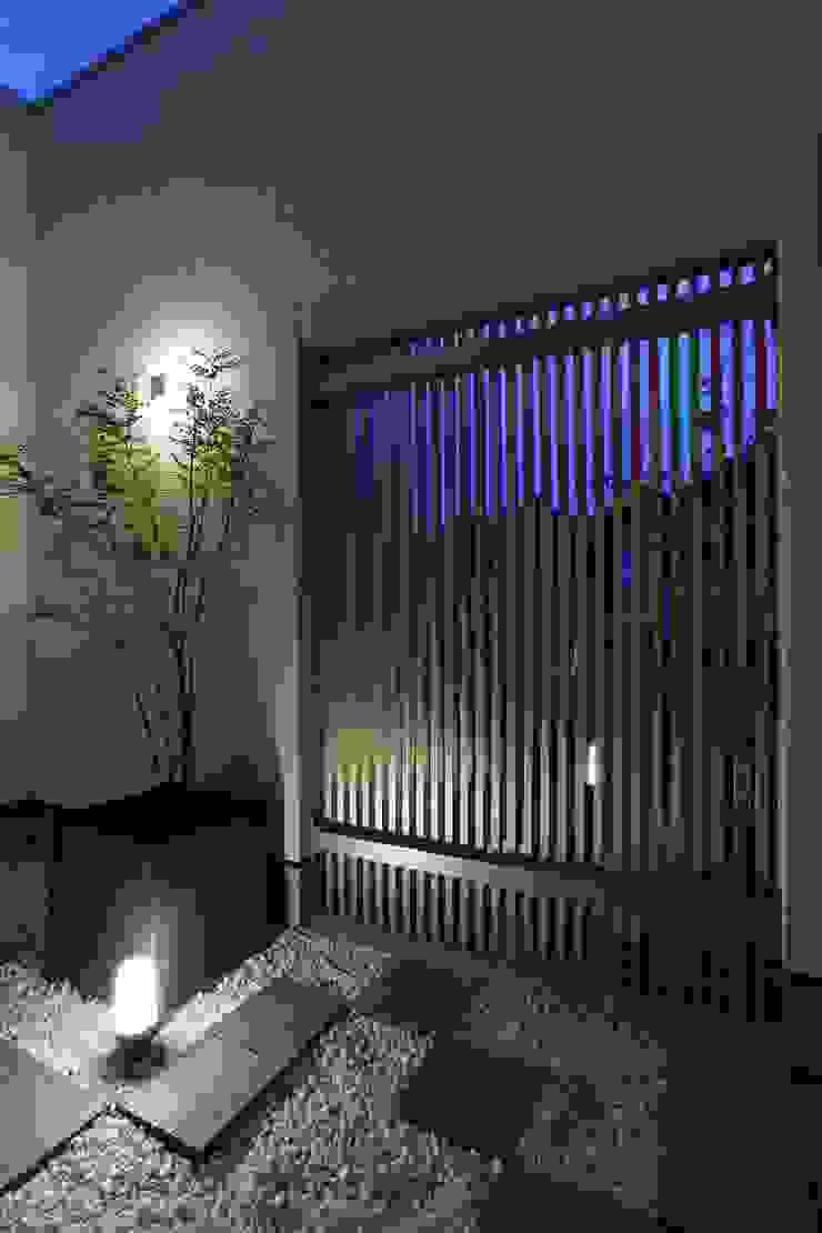 中庭 光庭 モダンな庭 の やまぐち建築設計室 モダン