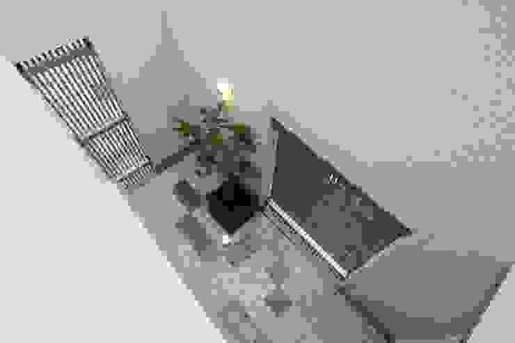 やまぐち建築設計室 Vườn thiền Gạch ốp lát White