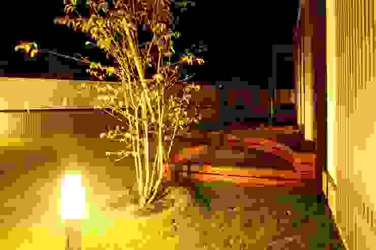 ウッドデッキ アウトドアリビング の やまぐち建築設計室 モダン 木 木目調