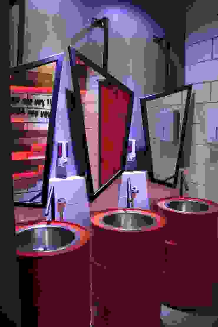 Ladies toilet 1st floor Ruang Komersial Gaya Industrial Oleh Kottagaris interior design consultant Industrial