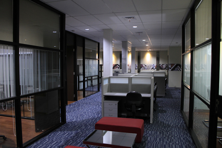 Internal office 3rd floor Ruang Komersial Gaya Industrial Oleh Kottagaris interior design consultant Industrial