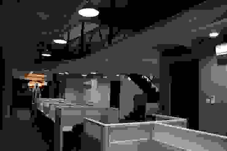 Internal office 2nd floor Ruang Komersial Gaya Industrial Oleh Kottagaris interior design consultant Industrial
