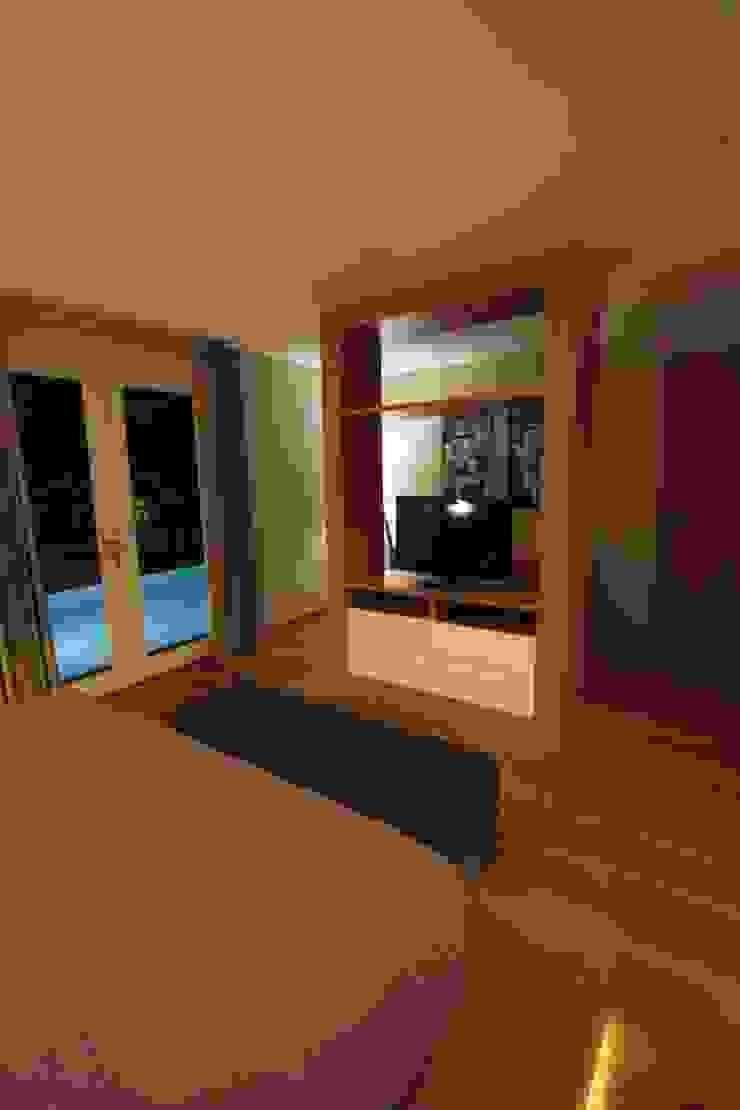 Master bedroom Kamar Tidur Tropis Oleh Kottagaris interior design consultant Tropis