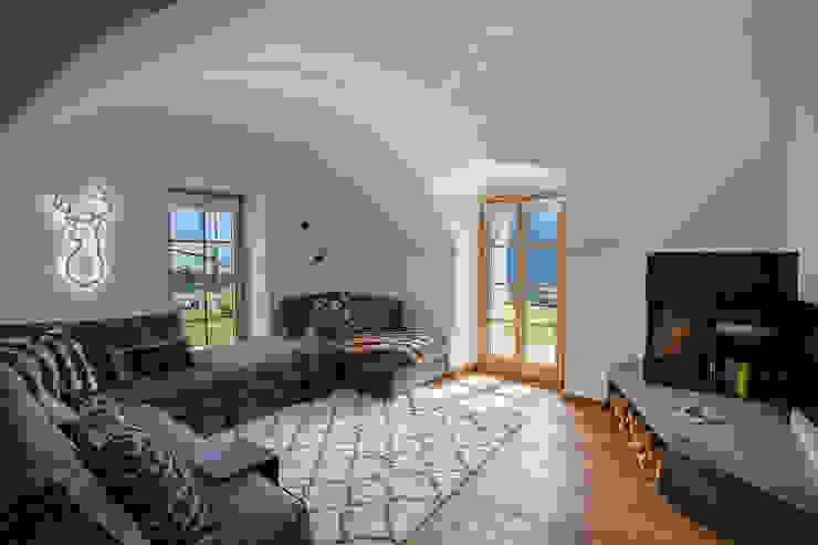 Vault House BEARprogetti - Architetto Enrico Bellotti Soggiorno in stile rustico