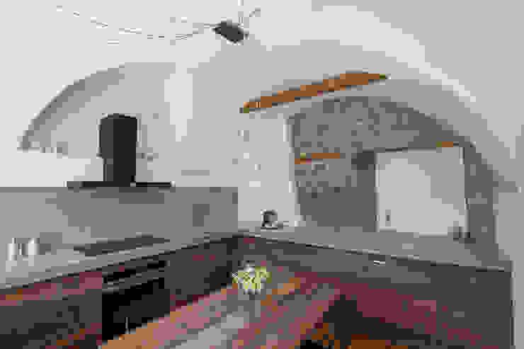 Vault House Cucina in stile rustico di BEARprogetti - Architetto Enrico Bellotti Rustico