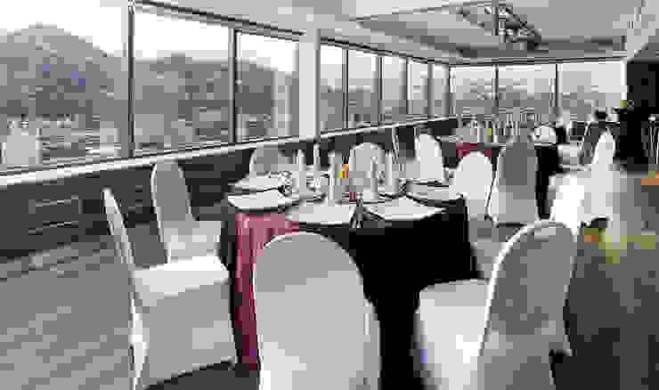 Salones Boulevard Suites Hotel Paredes y pisos modernos de NEF Arq. Moderno