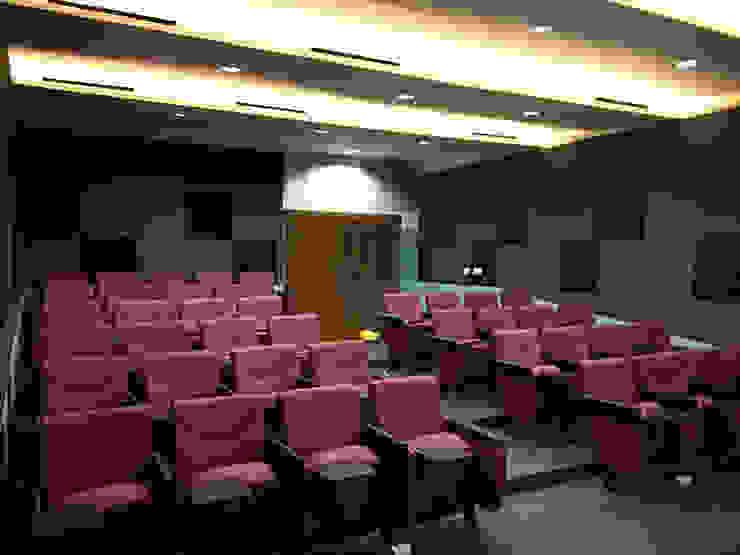Mini Theater Ruang Media Modern Oleh ADEA Studio Modern