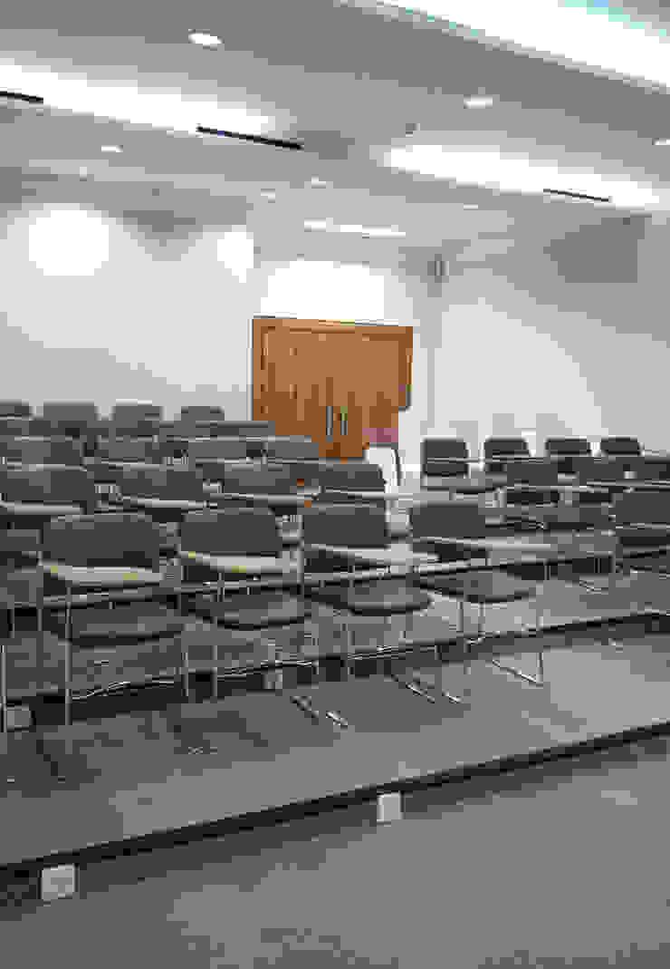 Class Room Ruang Media Minimalis Oleh ADEA Studio Minimalis