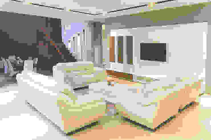 BN Elok I House Ruang Keluarga Modern Oleh INK DESIGN STUDIO Modern Kayu Lapis