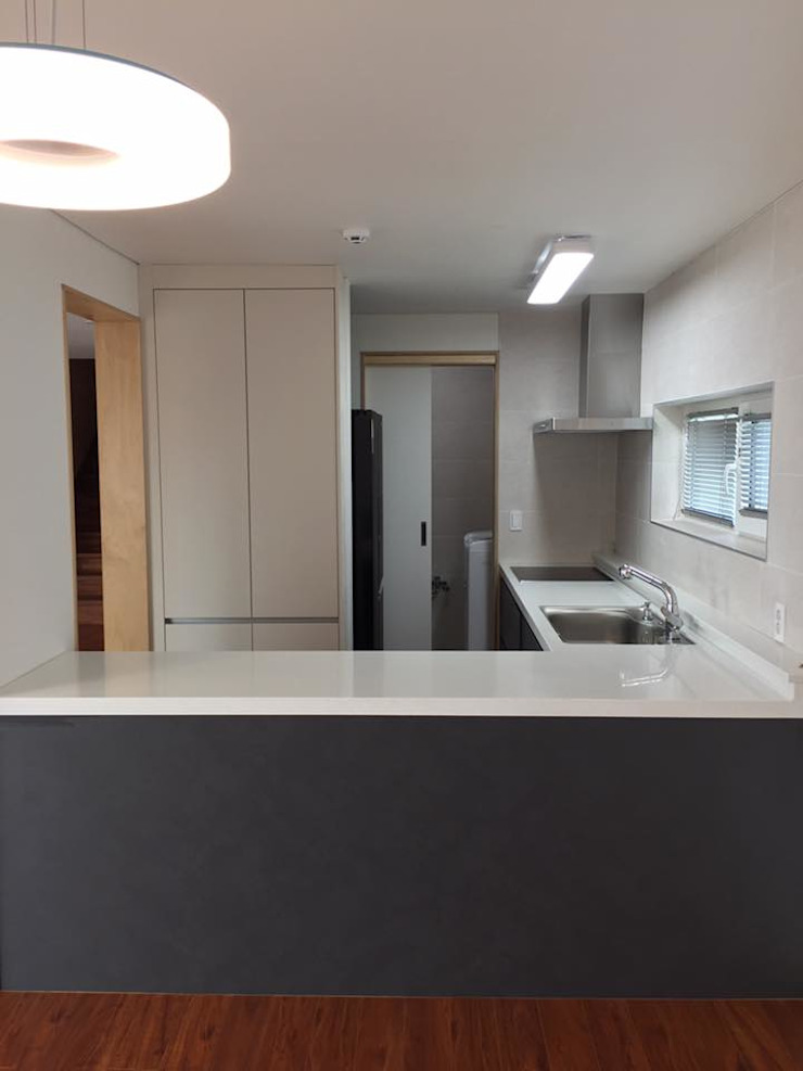 Modern Kitchen by MetaPhora Co.,LTD Modern