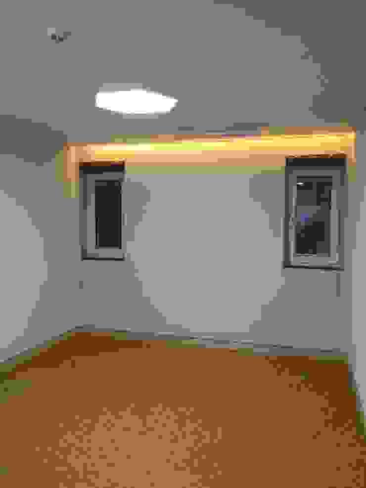 2층에 위치한 안방 (1) 모던스타일 미디어 룸 by MetaPhora Co.,LTD 모던