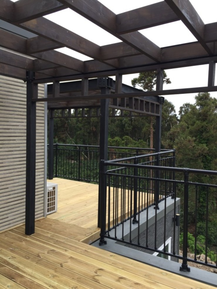 Modern Terrace by MetaPhora Co.,LTD Modern