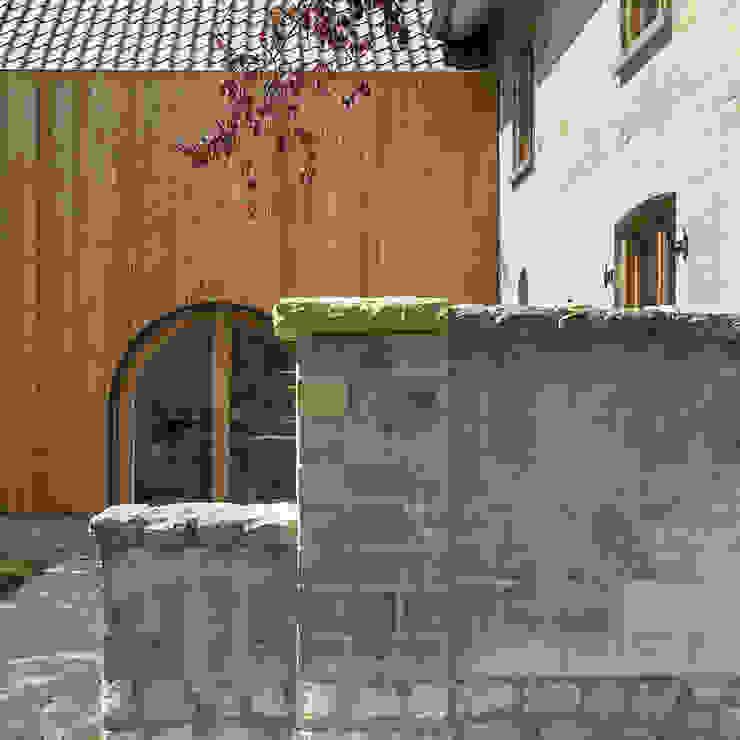 by De Nieuwe Context Eclectic Wood Wood effect