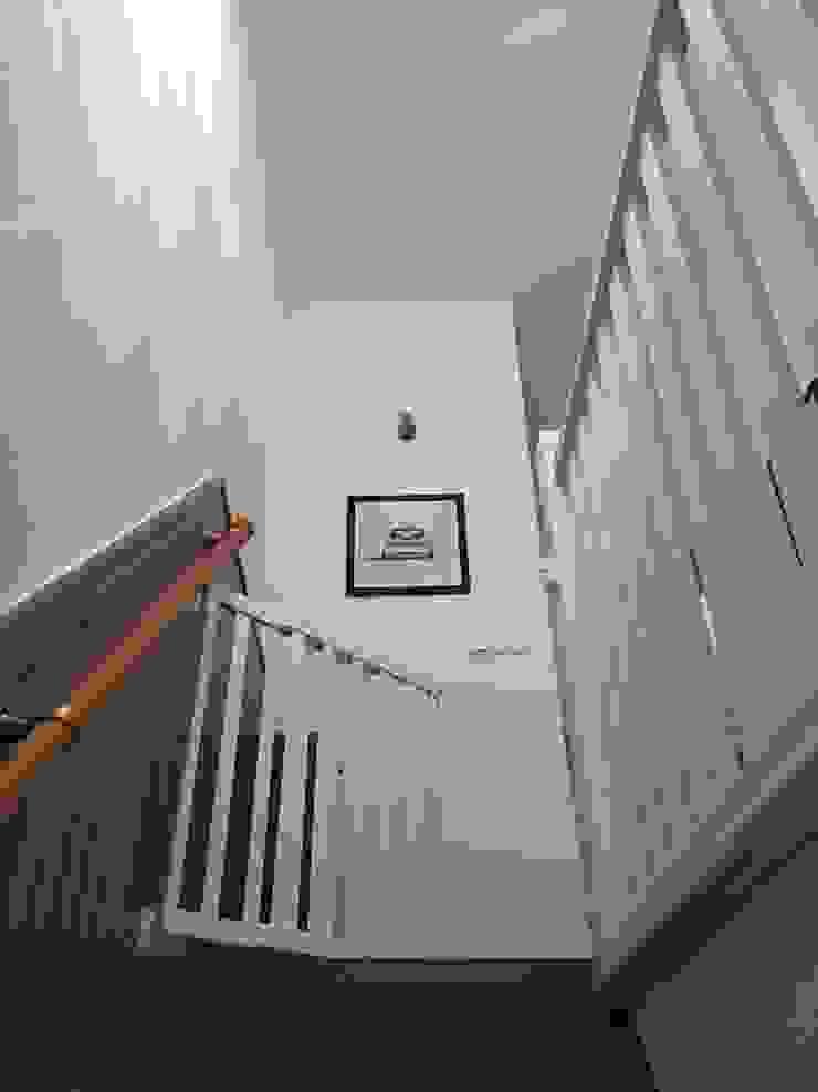 Trap: modern  door Vine Home Design, Modern