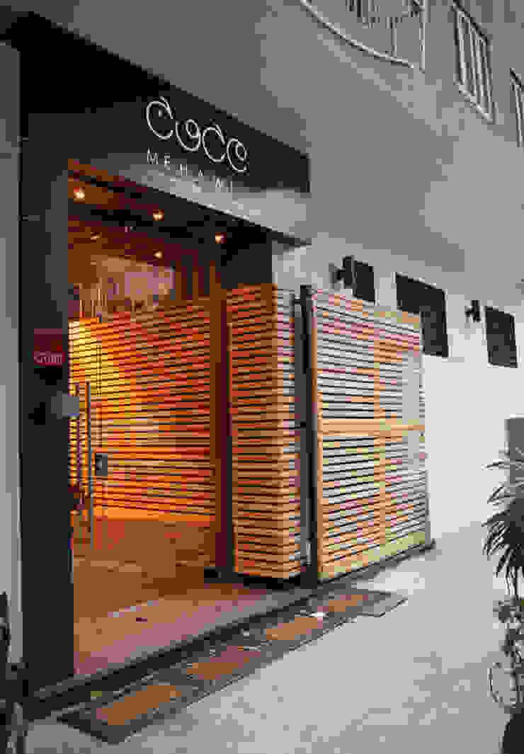 Shop Facade CUBEArchitects Espacios comerciales de estilo moderno
