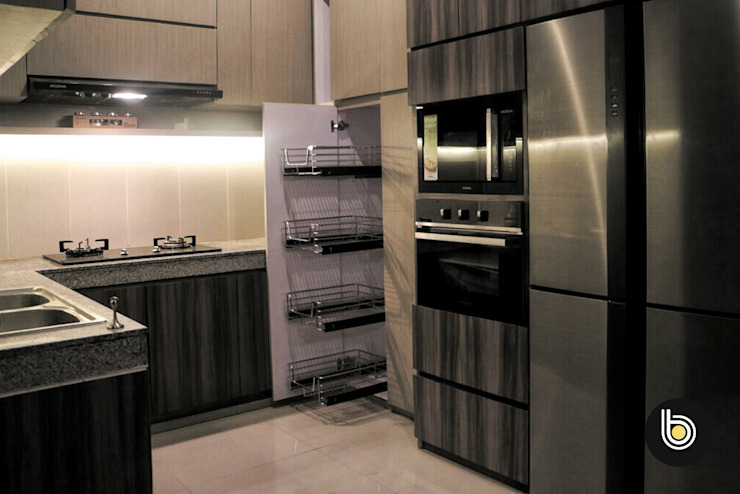 Built-in kitchens by BB Studio Designs,