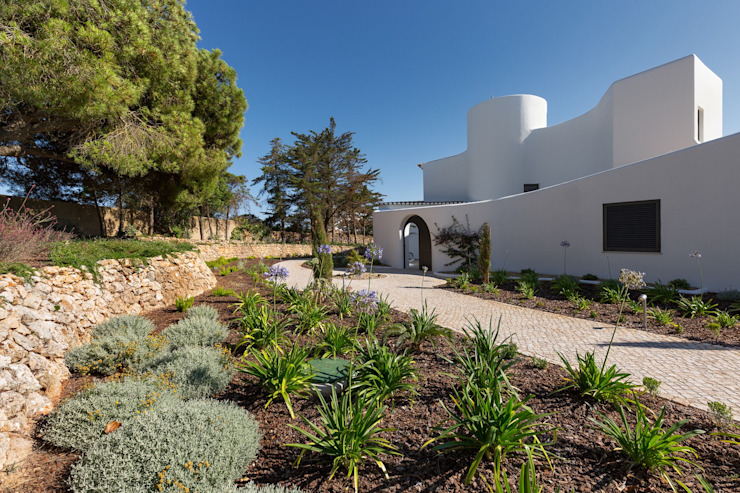Casa Capricórnio Jardins modernos por Jardíssimo Moderno