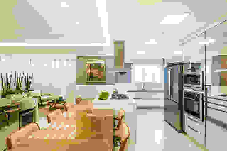 مطبخ تنفيذ VOBOL ARQUITETURA E INTERIORES, حداثي