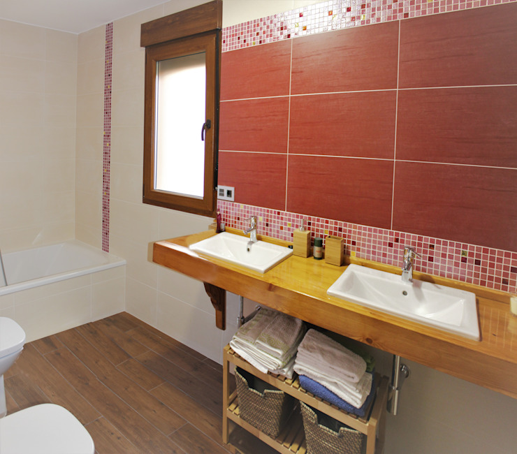 Rustic style bathroom by mh11arquitectos Rustic