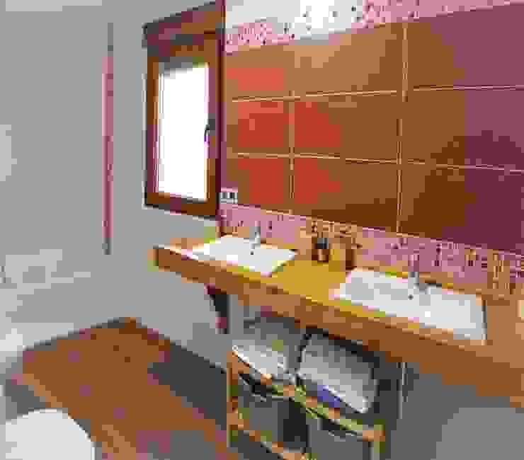 ラスティックスタイルの お風呂・バスルーム の mh11arquitectos ラスティック