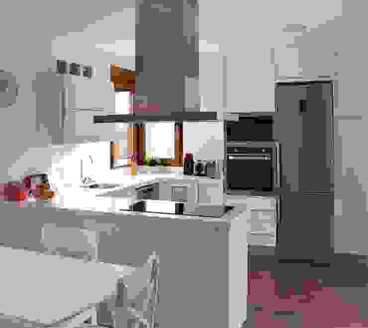ラスティックデザインの キッチン の mh11arquitectos ラスティック
