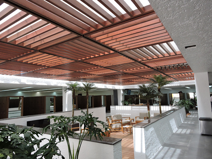 Pergolas Salones modernos de Productos Cristalum Moderno Aluminio/Cinc