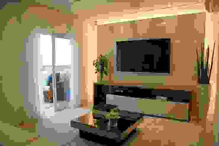 Salas modernas de Moussi Arquitetura Moderno