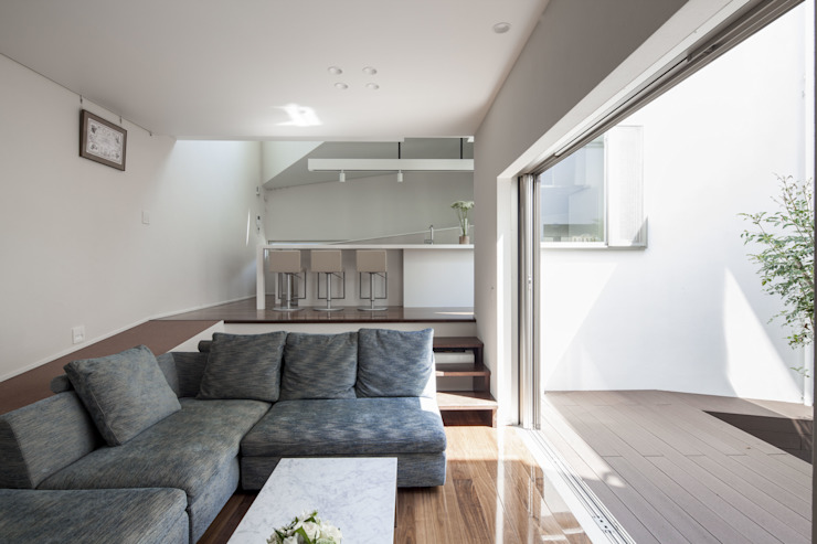 Ruang Keluarga Modern Oleh 前田敦計画工房 Modern