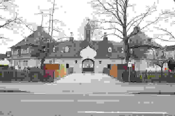 Rumah Gaya Eklektik Oleh Neugebauer Architekten BDA Eklektik