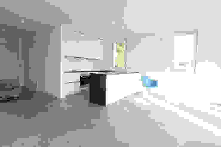 Dapur Minimalis Oleh Neugebauer Architekten BDA Minimalis