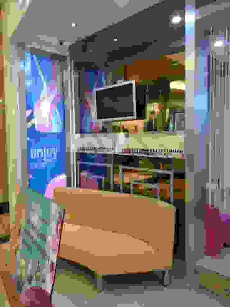 Lobby Ruang Komersial Modern Oleh Kottagaris interior design consultant Modern
