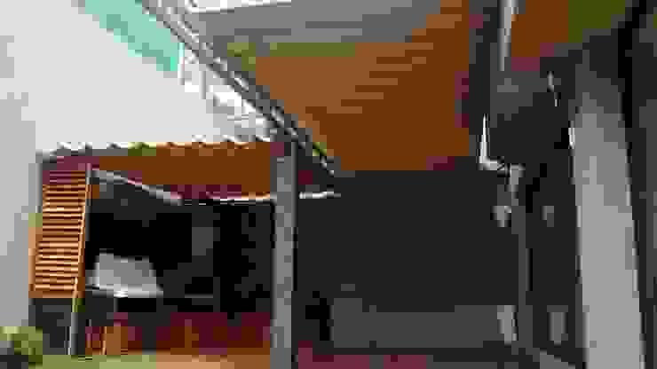 Toldo plegable en CDMX, un cambio radical. Balcones y terrazas de estilo moderno de Materia Viva S.A. de C.V. Moderno