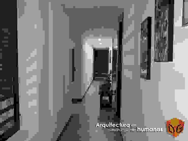 DG ARQUITECTURA COLOMBIA Ingresso, Corridoio & Scale in stile moderno Bianco
