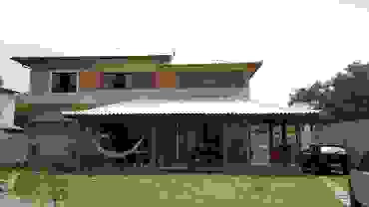 Nhà phong cách mộc mạc bởi Oca Bio Arquitetura e Design Mộc mạc