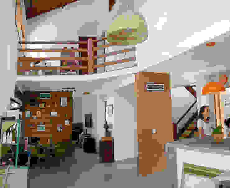 Phòng ăn phong cách mộc mạc bởi Oca Bio Arquitetura e Design Mộc mạc