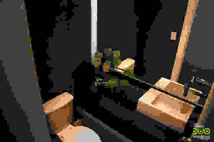 Apartamento : Banheiros  por Estudio Duo Arquitetura e Design,Moderno