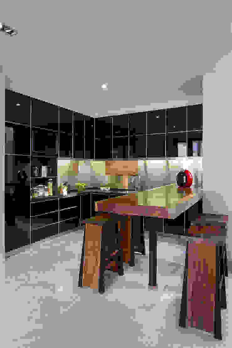 prv a131 Dapur Modern Oleh e.Re studio architects Modern