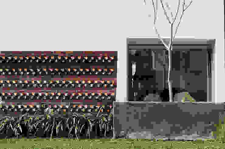 b66 house Rumah Modern Oleh e.Re studio architects Modern