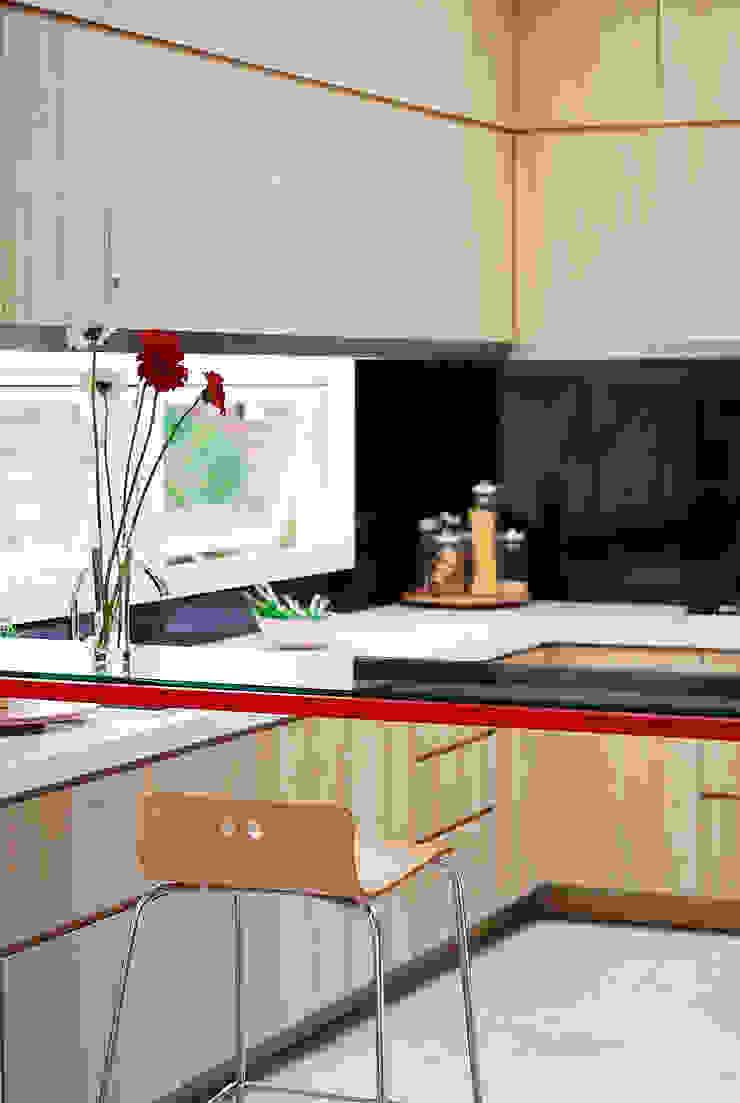 b66 house Dapur Modern Oleh e.Re studio architects Modern